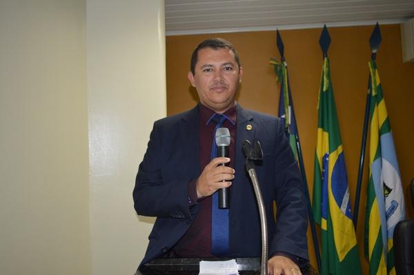 Vereador Adão Moura - Avante lamenta descaso do Governo do Estado com PI 135