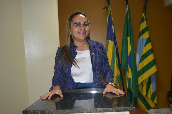 Vereadora Hélvia Almeida - PSD, criação de brigada de incêndio no Município