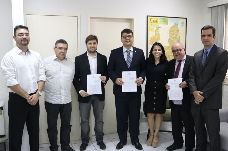 PGE e ESA firmam parceria para Pós-Graduação em Licitações e Contratos