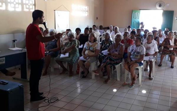 CRAS de Landri Sales promove palestra para o Grupo de Idosos
