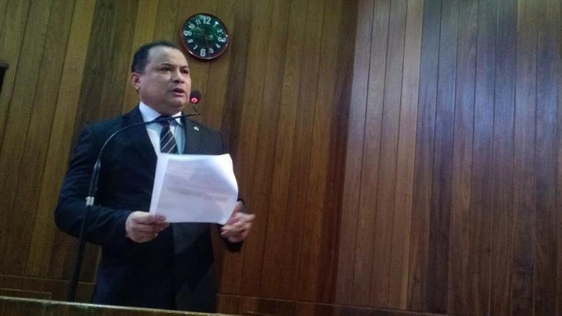 Deputado pede que Firmino explique desapropriação de terreno de R$ 2 milhões