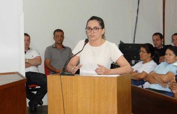 Secretária de Saúde Ana Lourdes Aquino