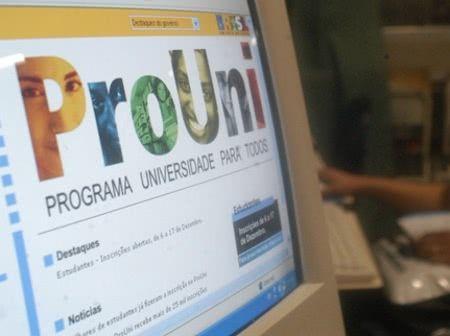 Saiba como solicitar a transferência da bolsa do ProUni para outro curso