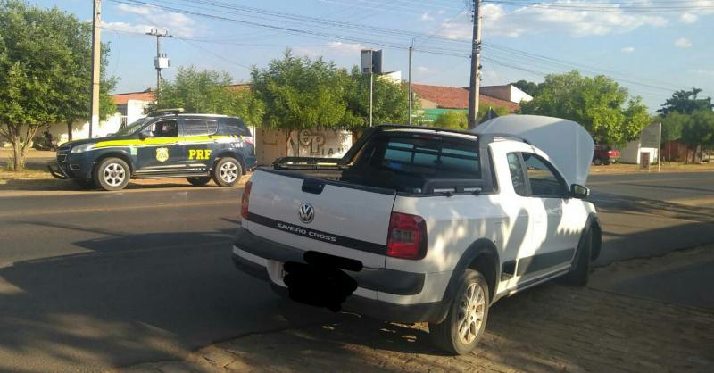 Jovem é detido em blitz na BR-343 com carro roubado na Bahia