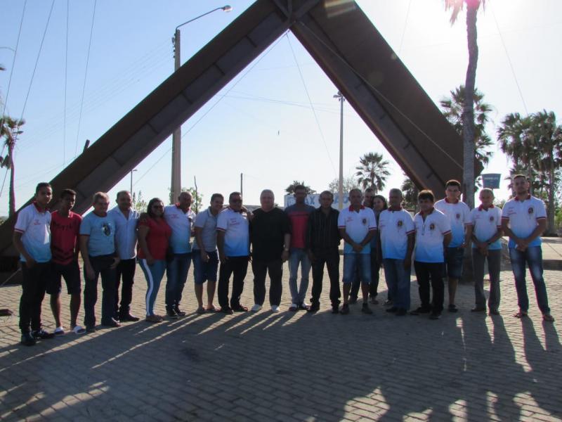 Prefeito Dr. Alcione participa de passeio com homens do Terço