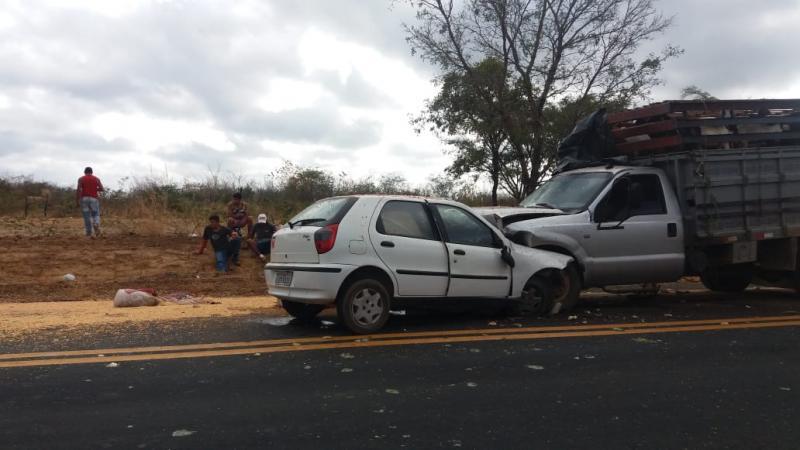 Homem morre após colisão frontal na BR-316