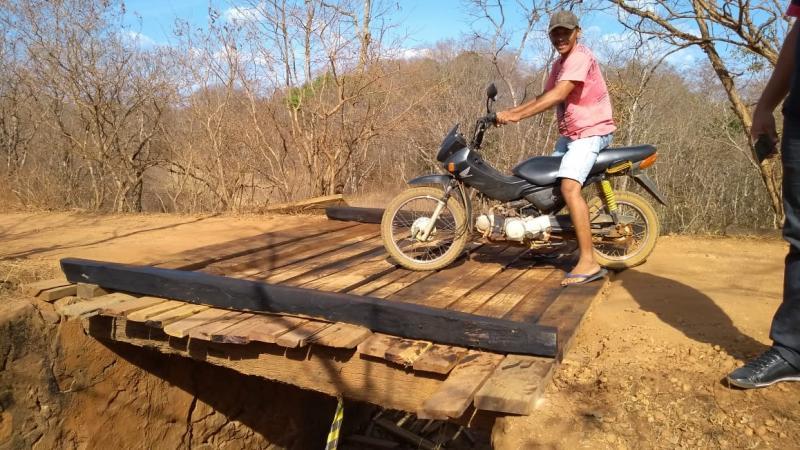 Prefeitura de Amarante atende apelo de moradores e reforma a ponte do Bonito