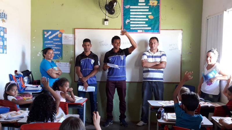 Professores da Escolinha CLF fazem vista a Escola Municipal de Campo Largo