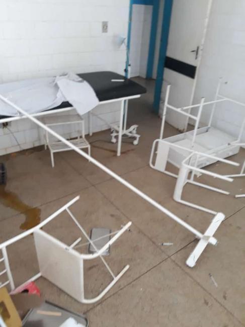 Hospital de Regeneração é depredado por falta de médicos