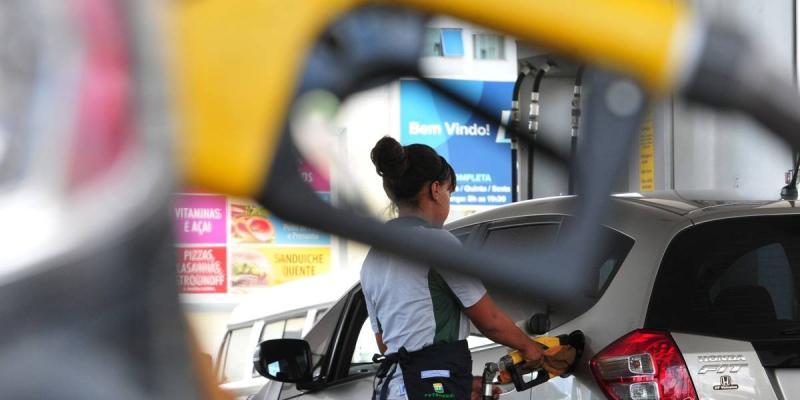 Petrobras anuncia aumento de 2,10% nos preços da gasolina e do diesel