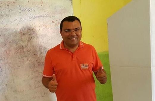 Prefeito Dr. Macaxeira e mais quatro são denunciados por nepotismo