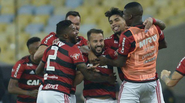 Flamengo vence o Grêmio e vai à semifinal da Copa do Brasil