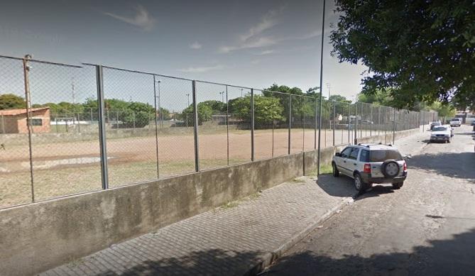Jovens são baleados em campo de futebol em Teresina
