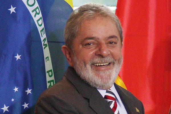 Partido dos Trabalhadores registra chapa de Lula