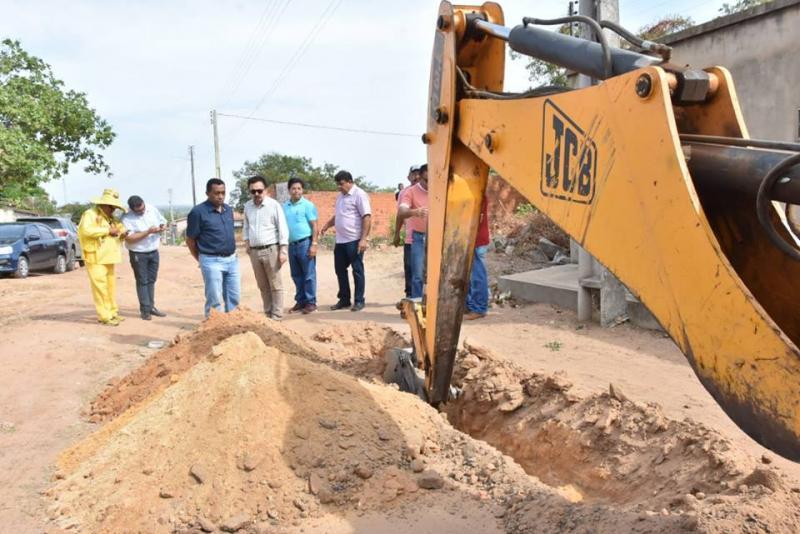 Ampliação de rede resolverá problemas de abastecimento de água em bairros de Floriano
