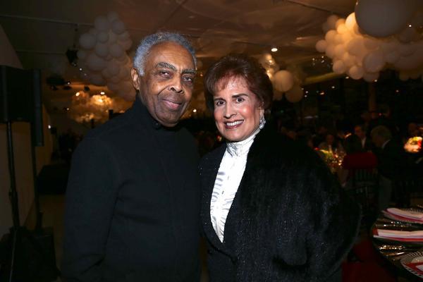 MAM celebra 70 anos de história em jantar especial