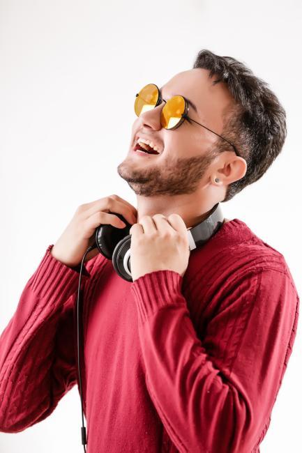 DJ Eliot é escolhido para agitar a Parada da Diversidade em Teresina