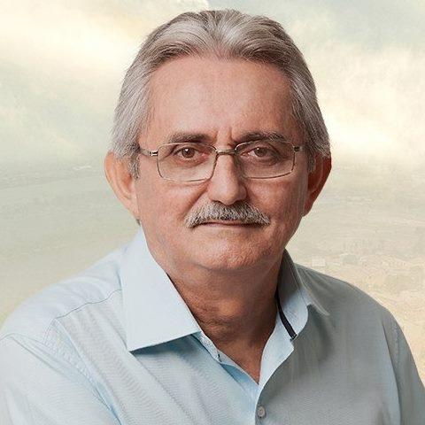 Prefeito contrata empresa de fornecimento de foguetes com recursos da Saúde