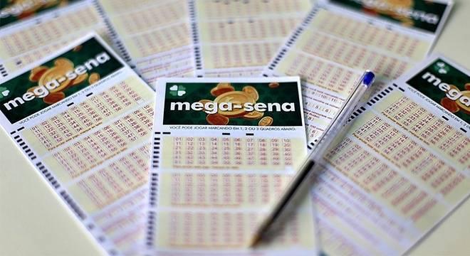 Mega-Sena pode pagar R$ 23 milhões neste sábado
