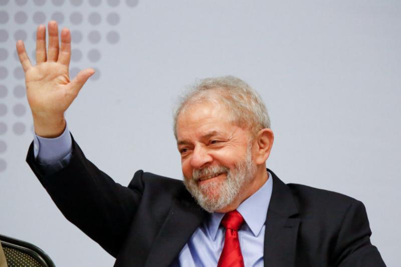 Pesquisa: Lula lidera isolado com 37% das intenções de voto