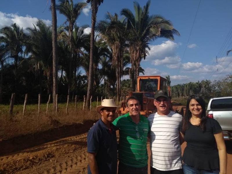 Prefeita acompanha início da construção do calçamento do Bairro Frecheiras