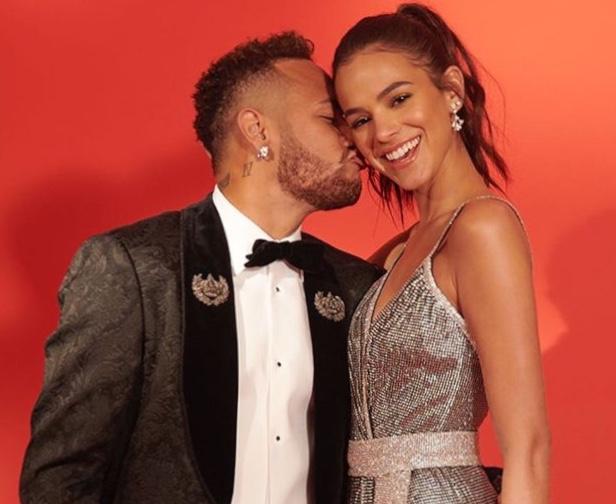Neymar e Bruna Marquezine anunciam suposto fim do namoro no Instagram