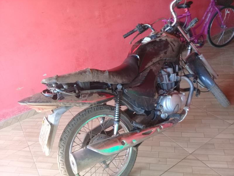 Homem sofre acidente de moto na BR 222 entre São João do Arraial e Esperantina