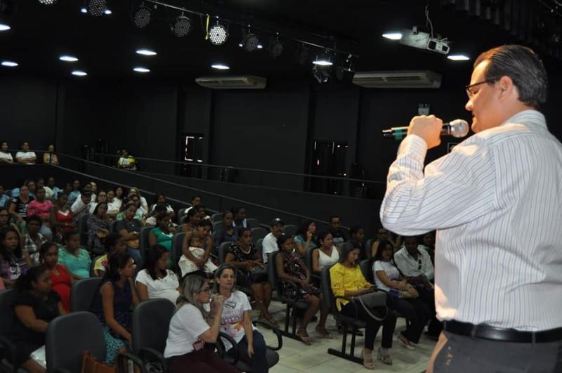 Agosto Dourado: prefeitura de Corrente  realiza palestra sobre amamentação
