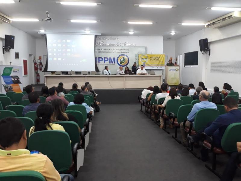 Encontro com dirigentes municipais de educação é realizado na APPM