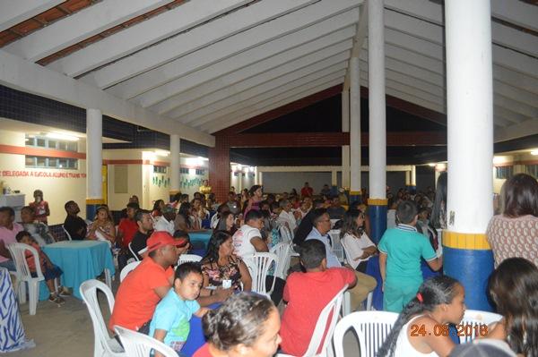 Creche Zezé Soares oferece jantar em comemoração ao dia dos pais