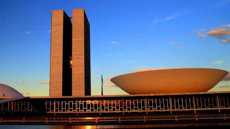 Congresso articula gasto de R$ 5 bi para o próximo presidente