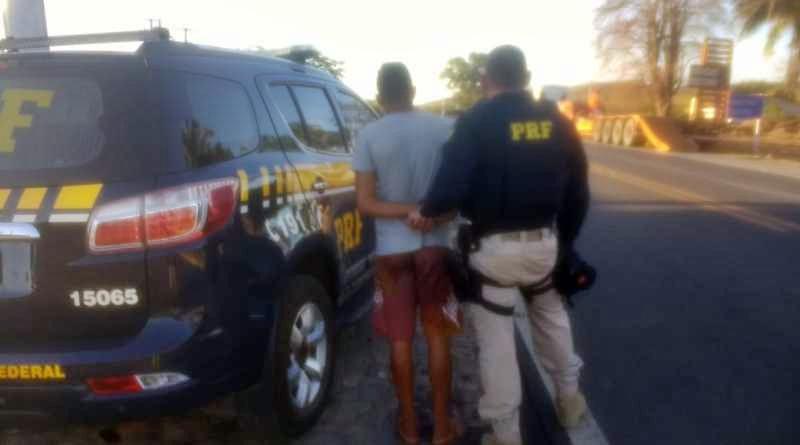 Jovem é preso com moto roubada e diz ter ganhado veículo em bingo