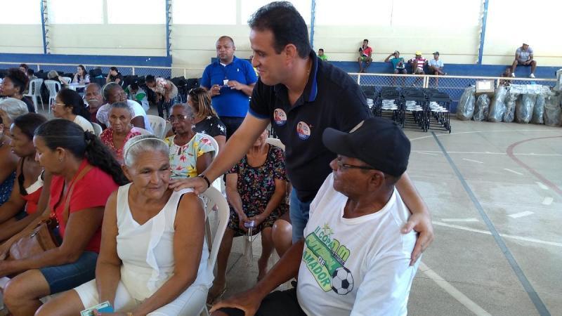 Prefeitura entrega 400 equipamentos ortopédicos em Amarante