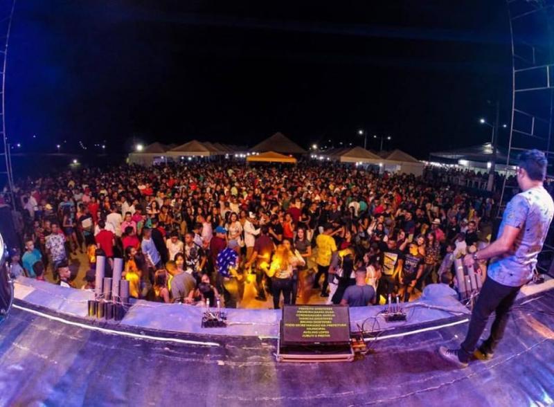 Mais de 10 mil pessoas prestigiam Festejos de Avelino Lopes