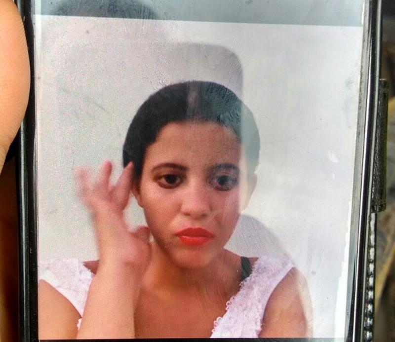 Mãe de meninas queimadas nuas é achada morta por asfixia