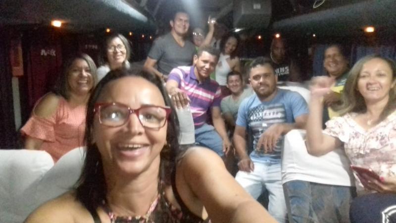 Delegação de Acs e ace, do Piauí, rumo a Brasília.