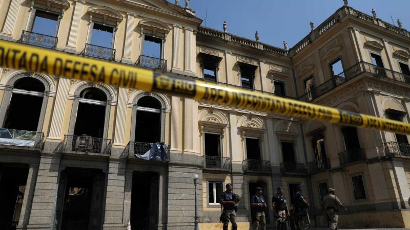 PF investiga causas do incêndio no Museu Nacional