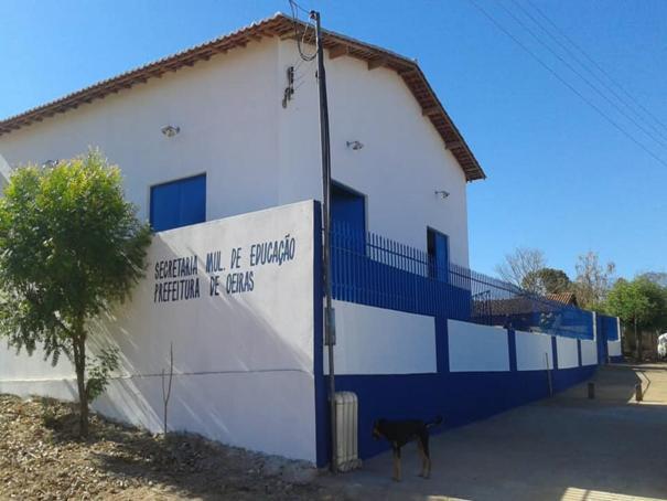 Prefeitura de Oeiras reforma e amplia escola no povoado Morro Redondo