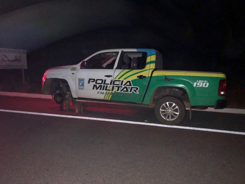Bandidos trocam tiros com a PM e furam pneus de viatura no PI