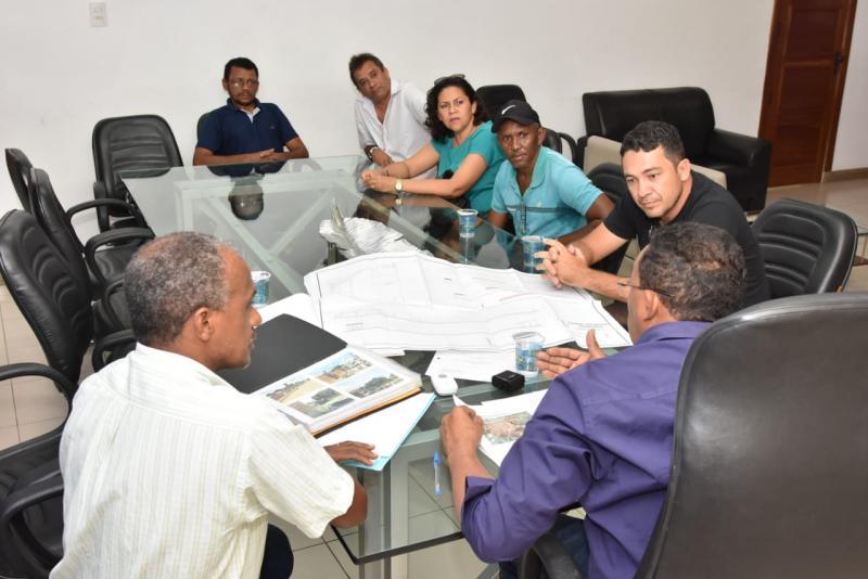 Prefeito Joel recebe representantes de Associações de Bairros para reunião