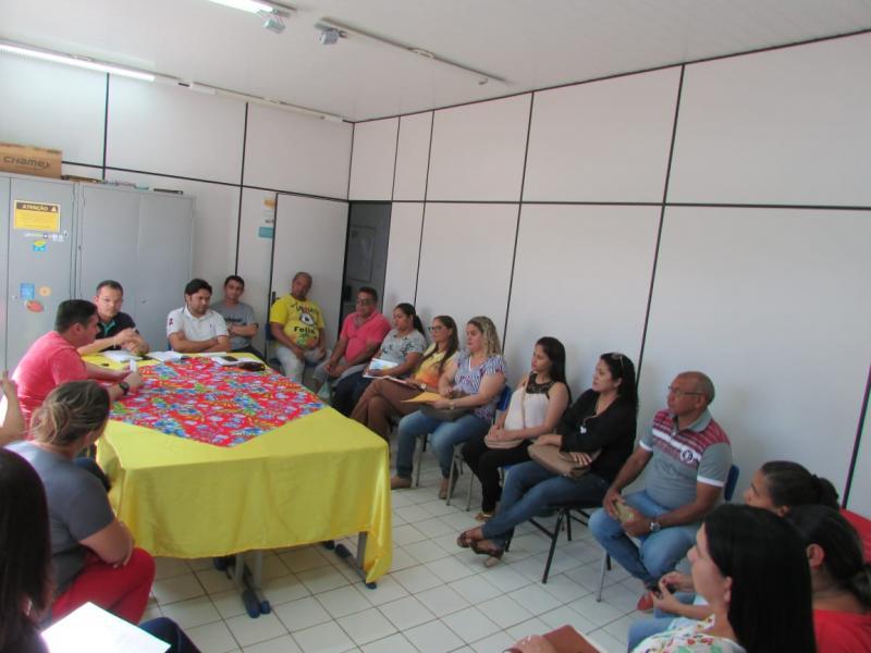 Secretário de educação se reúne com equipe para tratar do 7 de setembro