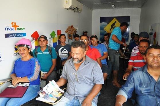 Curso de pedreiro é iniciado no município de Avelino Lopes