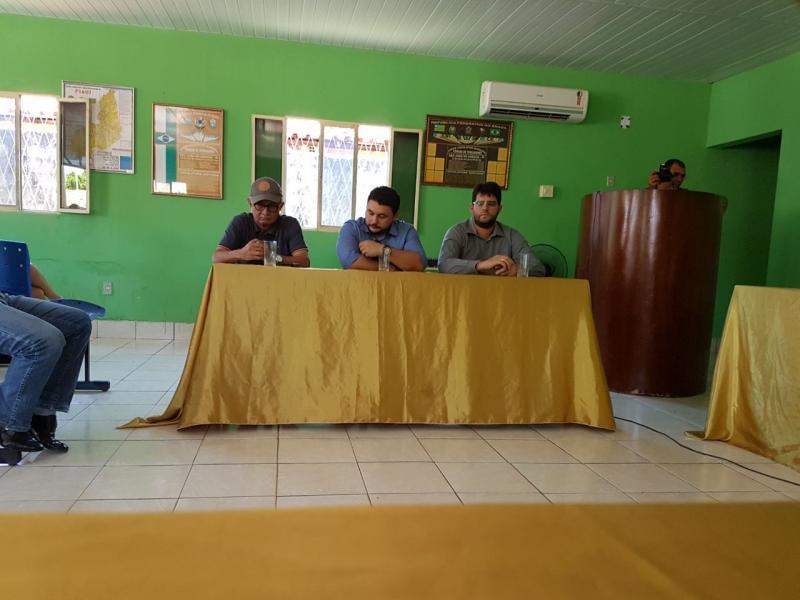 Vilma Lima participa de reunião com responsáveis pelas obras da BR 222
