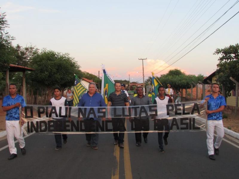 Prefeitura de Lagoinha do Piauí resgata desfile de 7 de Setembro