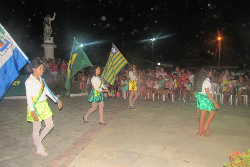 Prefeitura realizou tradicional desfile cívico em São João do Arraial