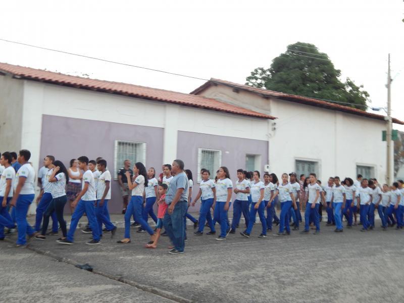 SEMEC/Beneditinos realiza mais um Desfile Cívico