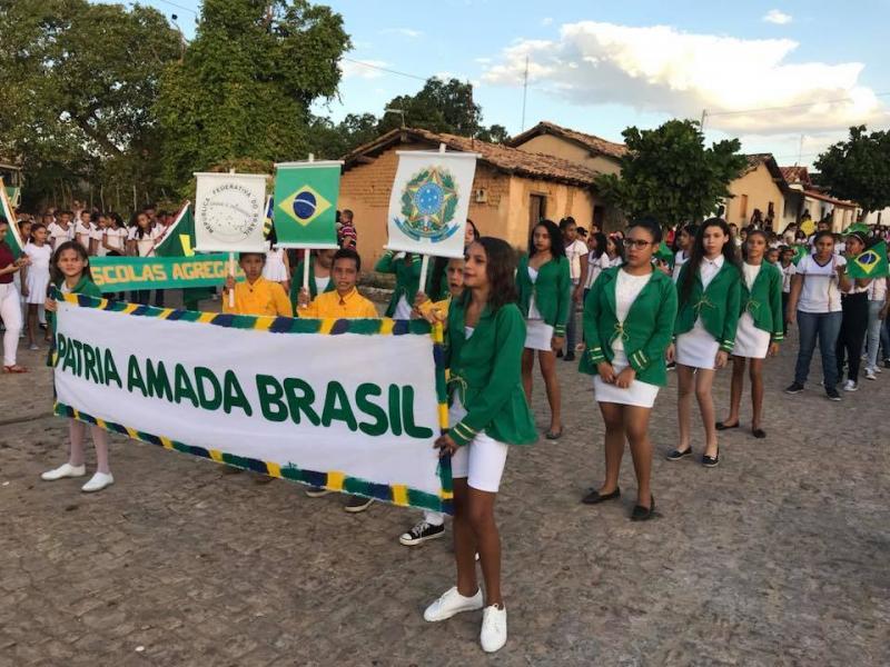 Prefeitura municipal de Francisco Ayres realiza desfile cívico