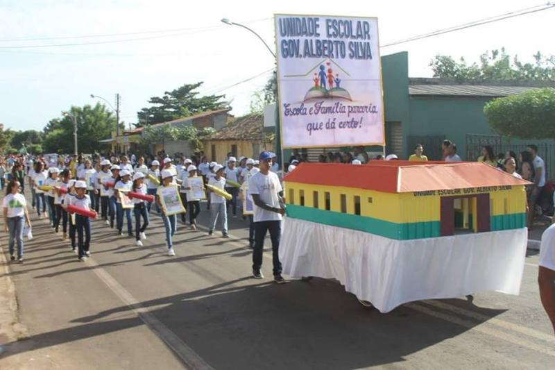 Prefeitura de Altos realizou desfile da Independência do Brasil