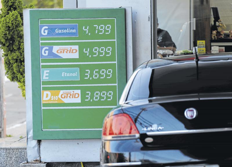 Gasolina e diesel ficam mais caros nos postos do país