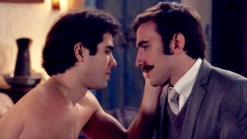 Casal gay de novela Global vai para a cama e terão noite intensa